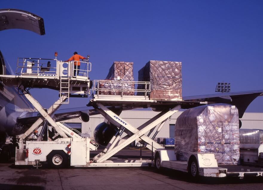 Luftfracht, Logistic, Beladung, Entladung, Fracht, Flugzeug, Paletten, Flughafen